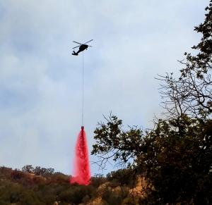 Helicopter drops retardant on west side of Mineral Fire. (Mike Chiodini/BLM).
