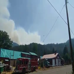 Helicopters Make Bucket Drops Near Taylorsville - August 25