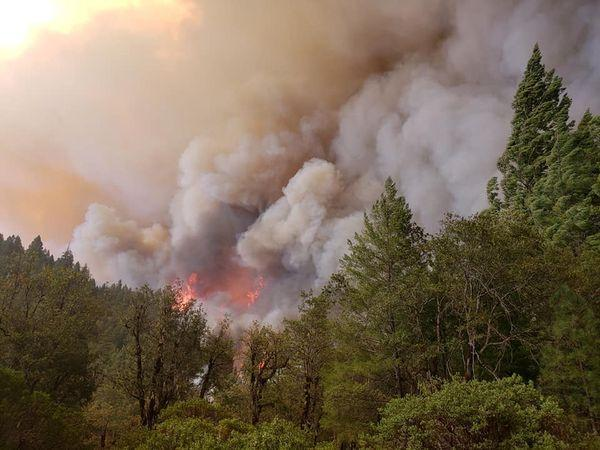 image of Hopkins fire heavy smoke in distance near Mad River Ranger District 9.9.2020