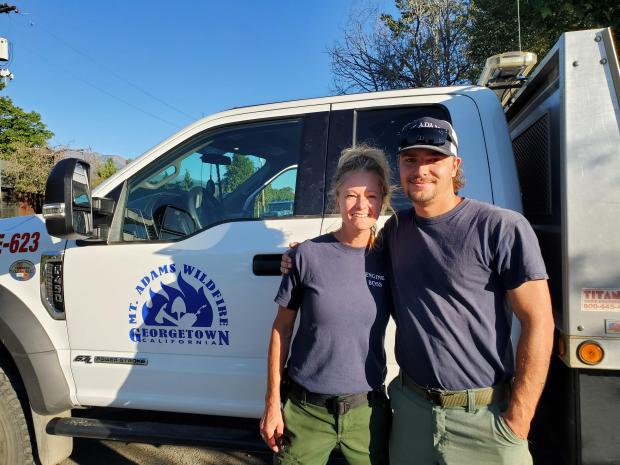 Paula and Darian Holtec work together on Engine 623 for Mt. Adams Wildfire