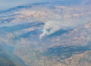 An aerial photo of a wildfire.