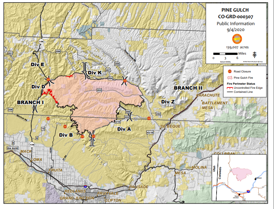 Map shoeing the fire perimeter and fire containment lines