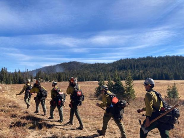 E-621 Hikes into Middle Fork Fire for day shift