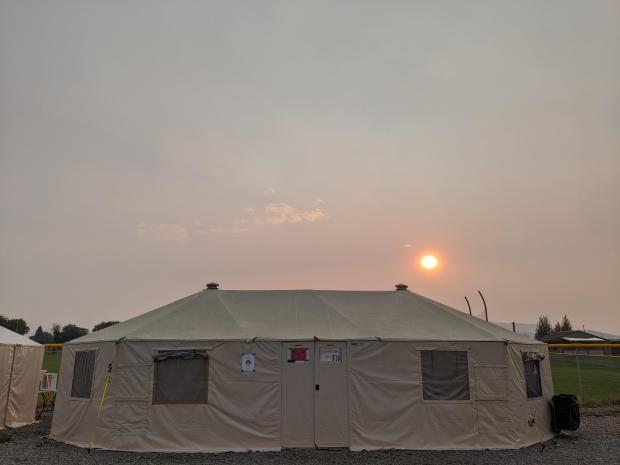 Smoky skies over the Bear Creek Fire ICP August 20, 2020