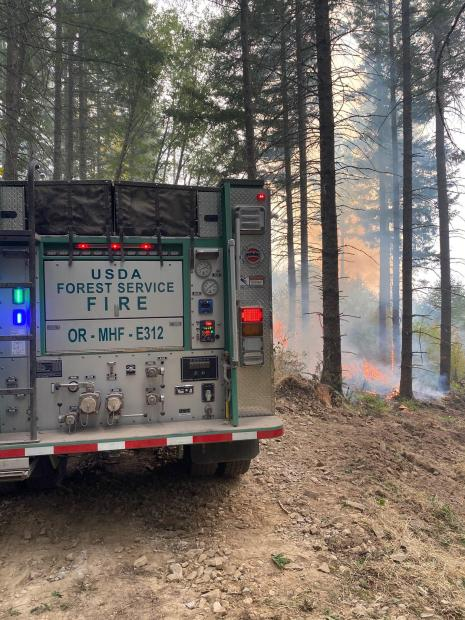 Mt. Hood National Forest Engine 312 working on the Riverside Fire