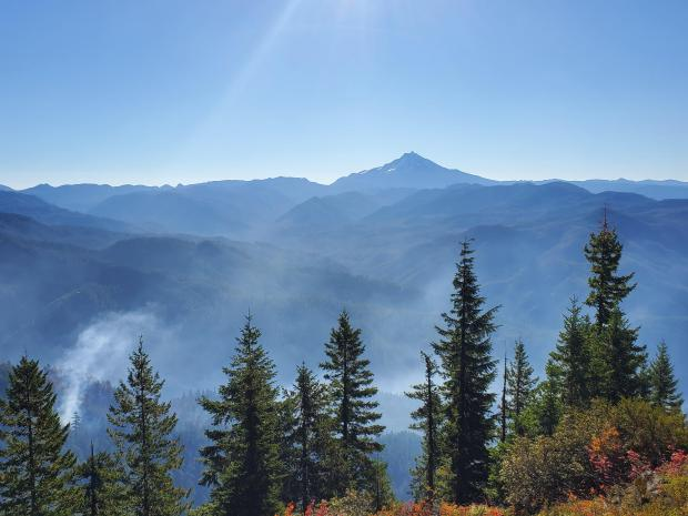 Mt. Jefferson over the Bull Complex fire on Sept 24