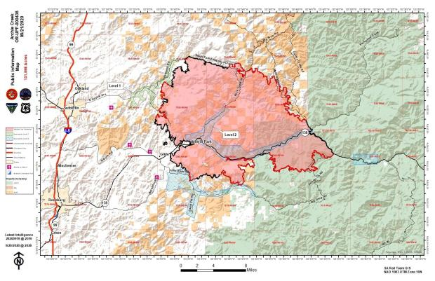 Map showing fire perimeter, containment lines and evacuation levels