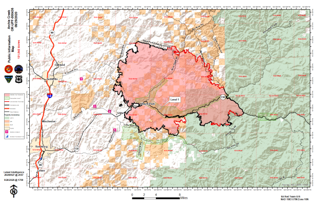 Map showing fire perimeter, containment lines and evacuation zones