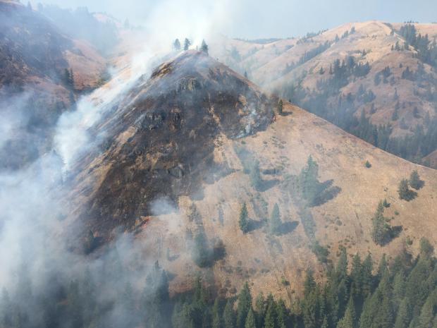 Landscape photo of the Horse Fire, showing smoke