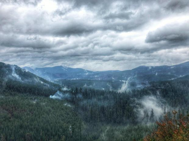 #BigHollowFire receiving some much needed rain on a burn area located on the NW side of Trapper Creek Wilderness. Photo by Matt Mawhirther. Captured from Forest Road 57.