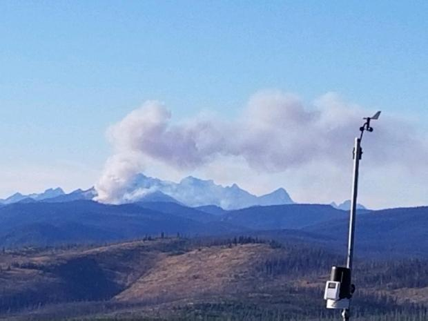 A smoke column from Chikamin Fire seen from Sugarloaf Lookout on August 28, 2020